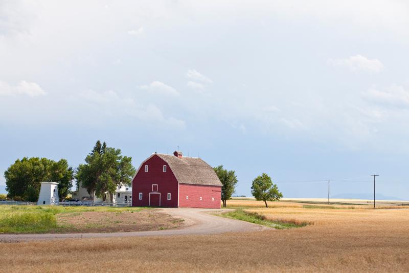 red-barn-photograph