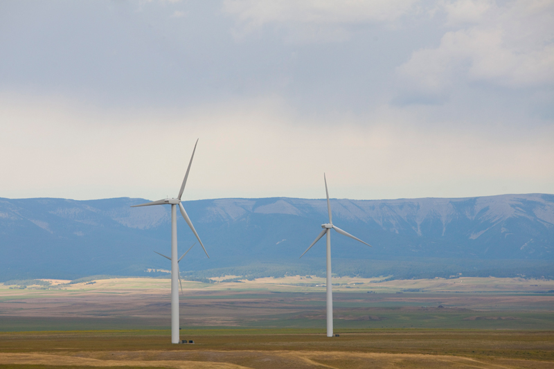 windmills-with-mountains
