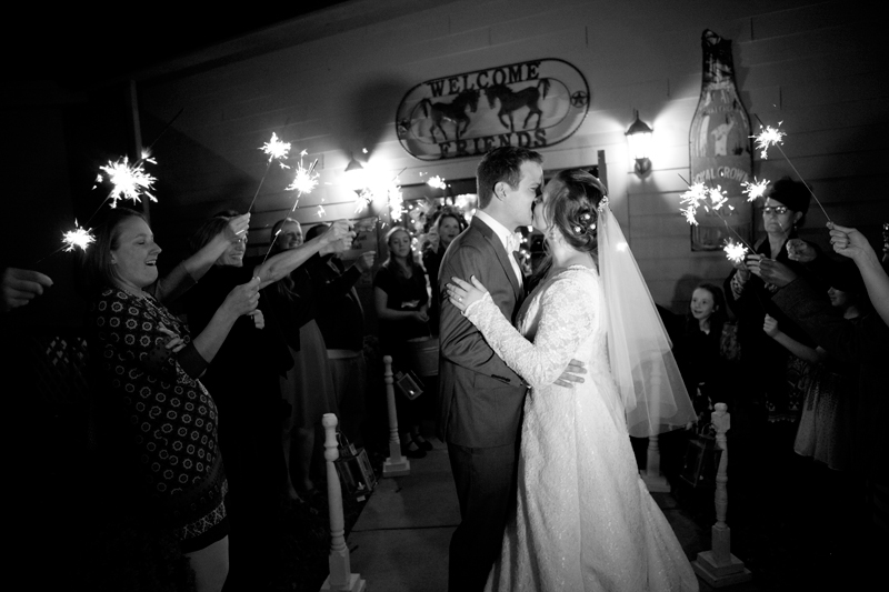 wedding-sparkler-exit