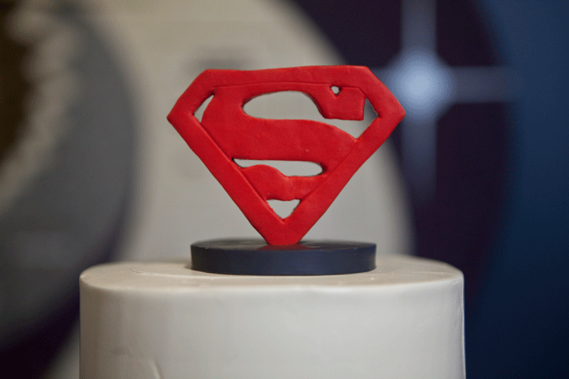 superman-wedding-cake